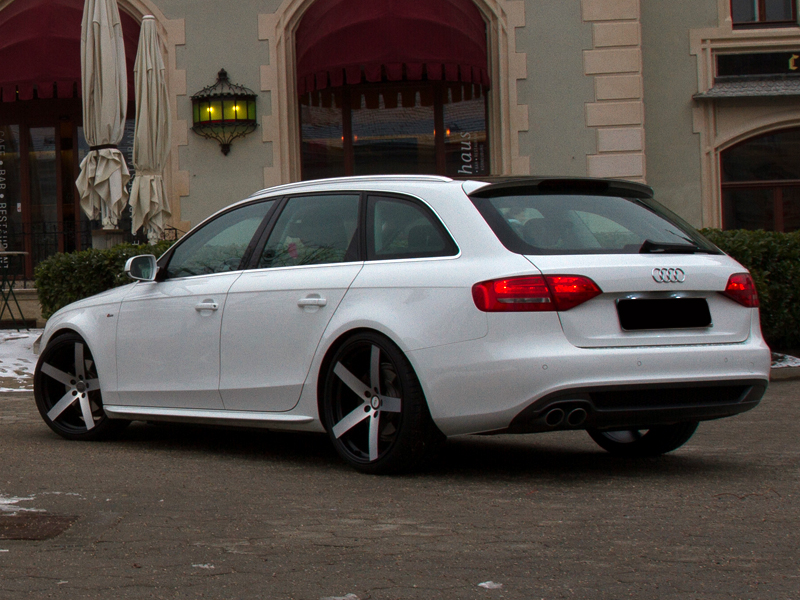 Audi A4 Avant with 20 Wheels