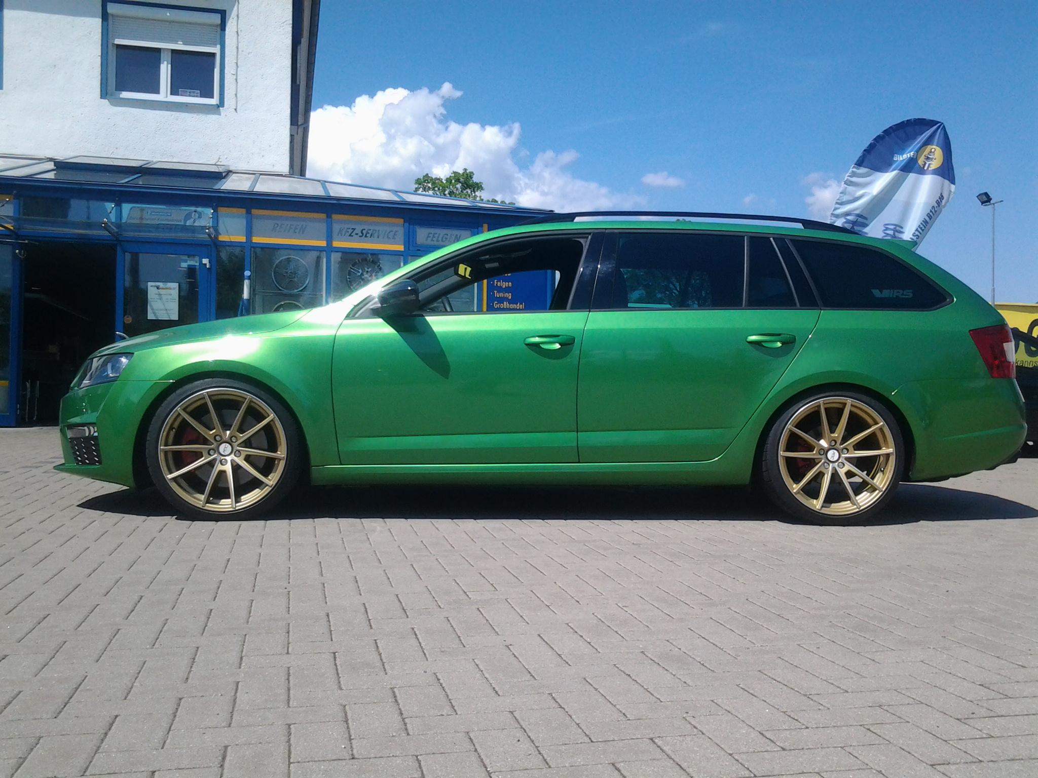 Skoda Octavia Rs Combi Gr 252 N Deluxe Wheels Deutschland Gmbh