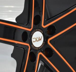 UROS-Sonderöberfläche-Schwarz-Glänzend-Konturen-Orange-Detail