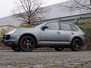 Porsche_Cayenne_9PA_Turbo_UROS_20_Schwarz_Matt